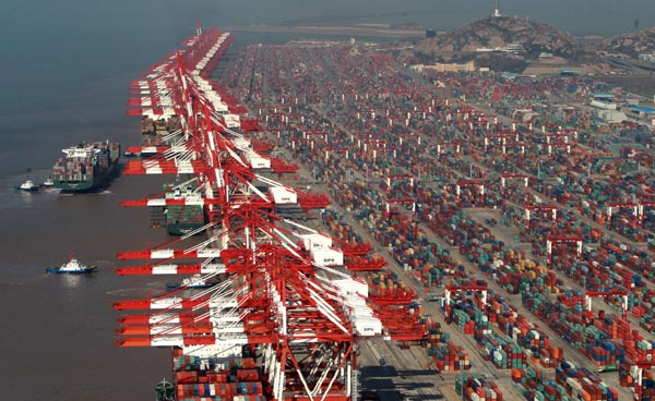 Yangshan City Port, The world's biggest container port opens new Silk Road for shipping